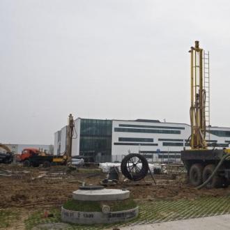Wiertnice samojezdne obrotowe URB-2A2 - rok produkcji 2007 - głębokość wiercenia 300 m - podwozia wiertnic KAMAZ 4310 - pompy płuczkowe HB-50